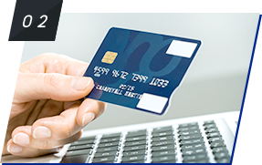 受講したいコースを選んだら、クレジットカードにてコース料金をお支払い。
